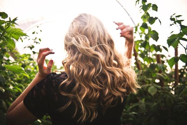 Vlasy jako ze salonu