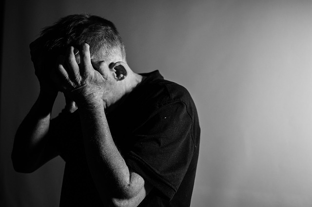 chlap s depresí