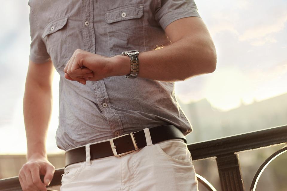Náramkové hodinky jsou stále vmódě